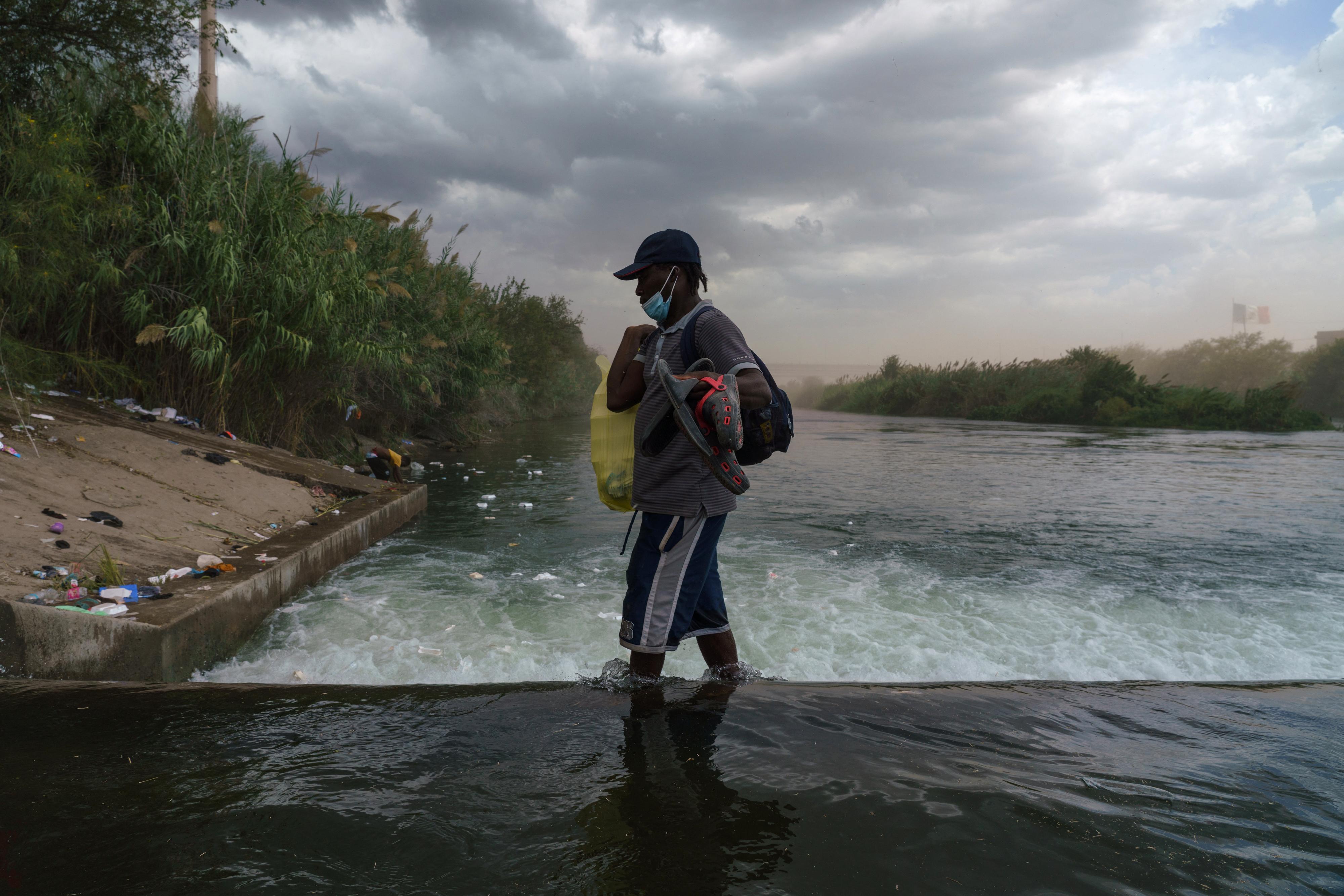 Trump rendeletével szabadul meg az Egyesült Államok a határon várakozó haitiaktól