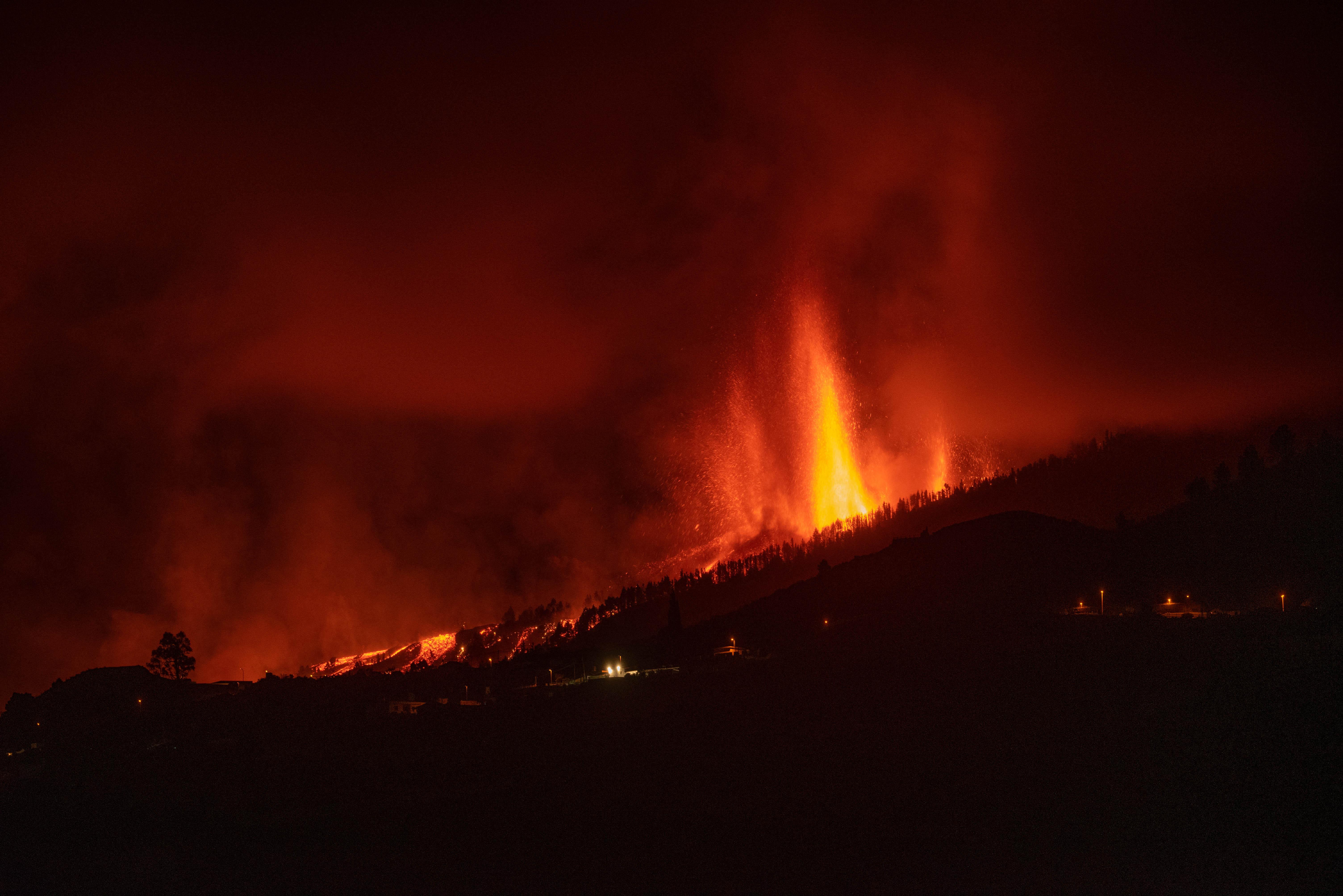 Élőben lehet nézni, ahogy ömlik a láva a vulkánból