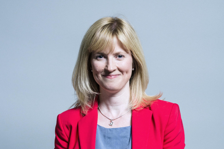 A közszereplő nőknek mindig aggódniuk kell a biztonságukért, mondja egy brit képviselőnő