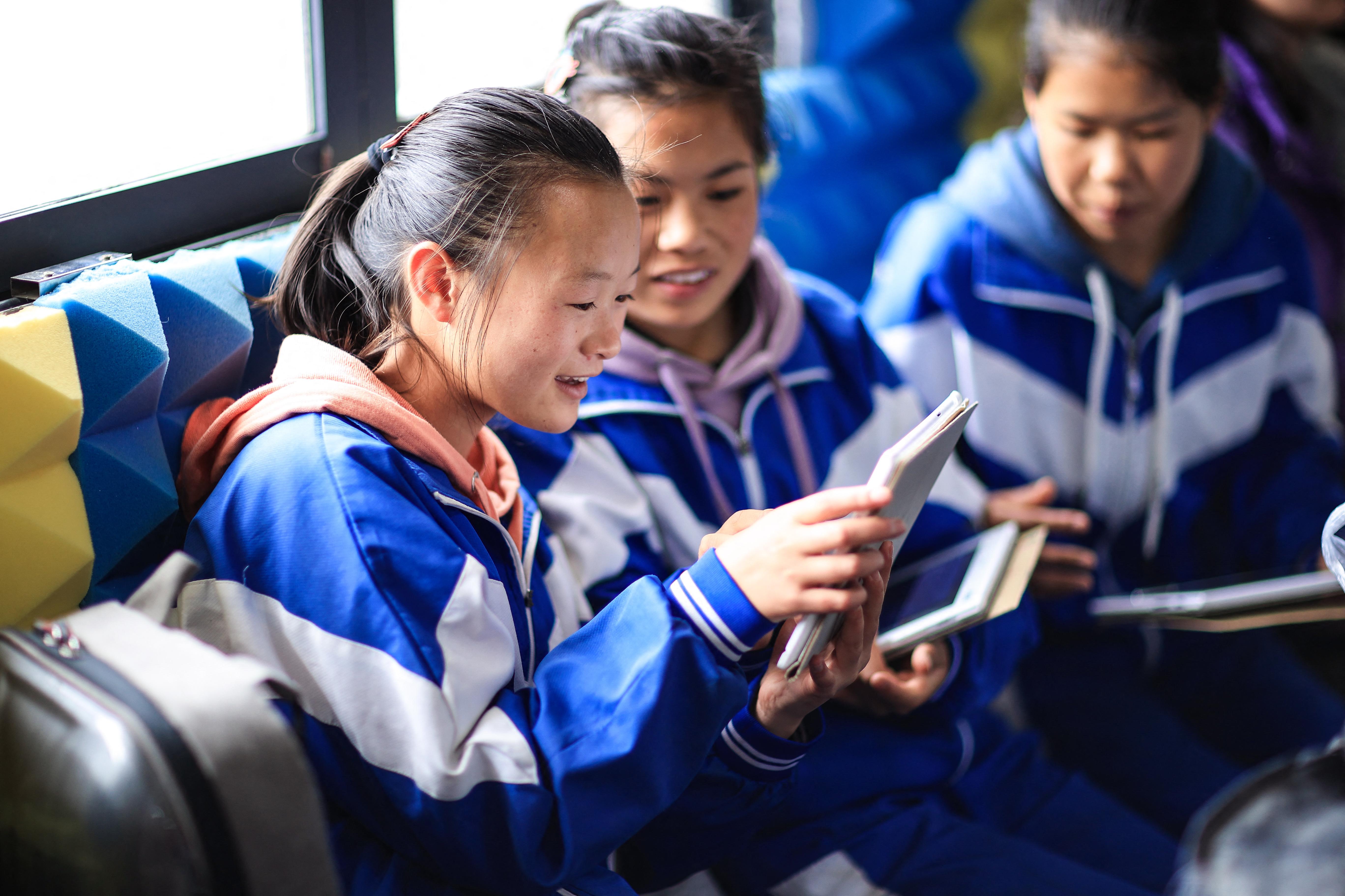 Csak napi 40 percet TikTokozhatnak a gyerekek Kínában