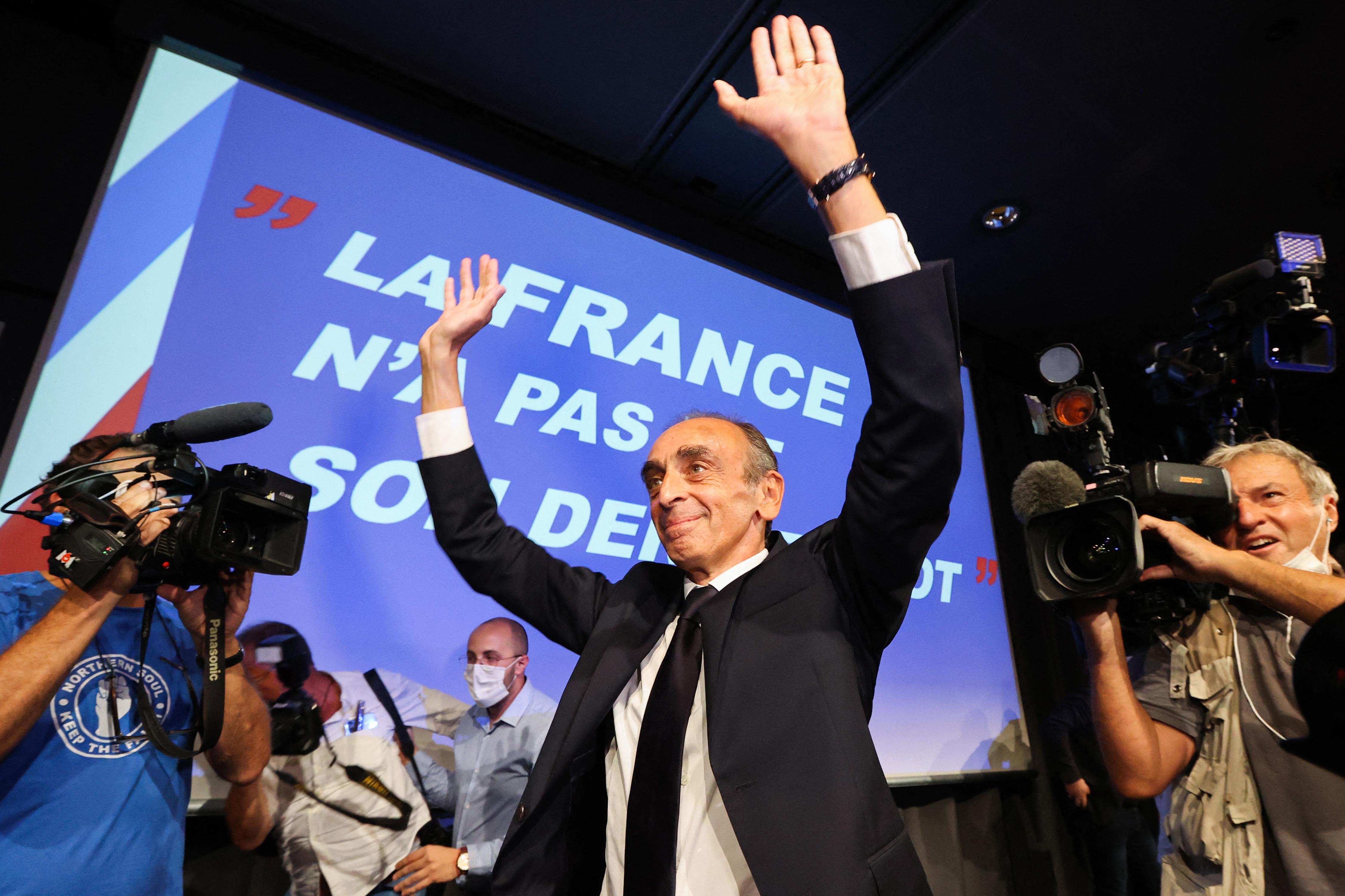 Orbán meghívta a francia szélsőjobb új csillagát - 444.hu