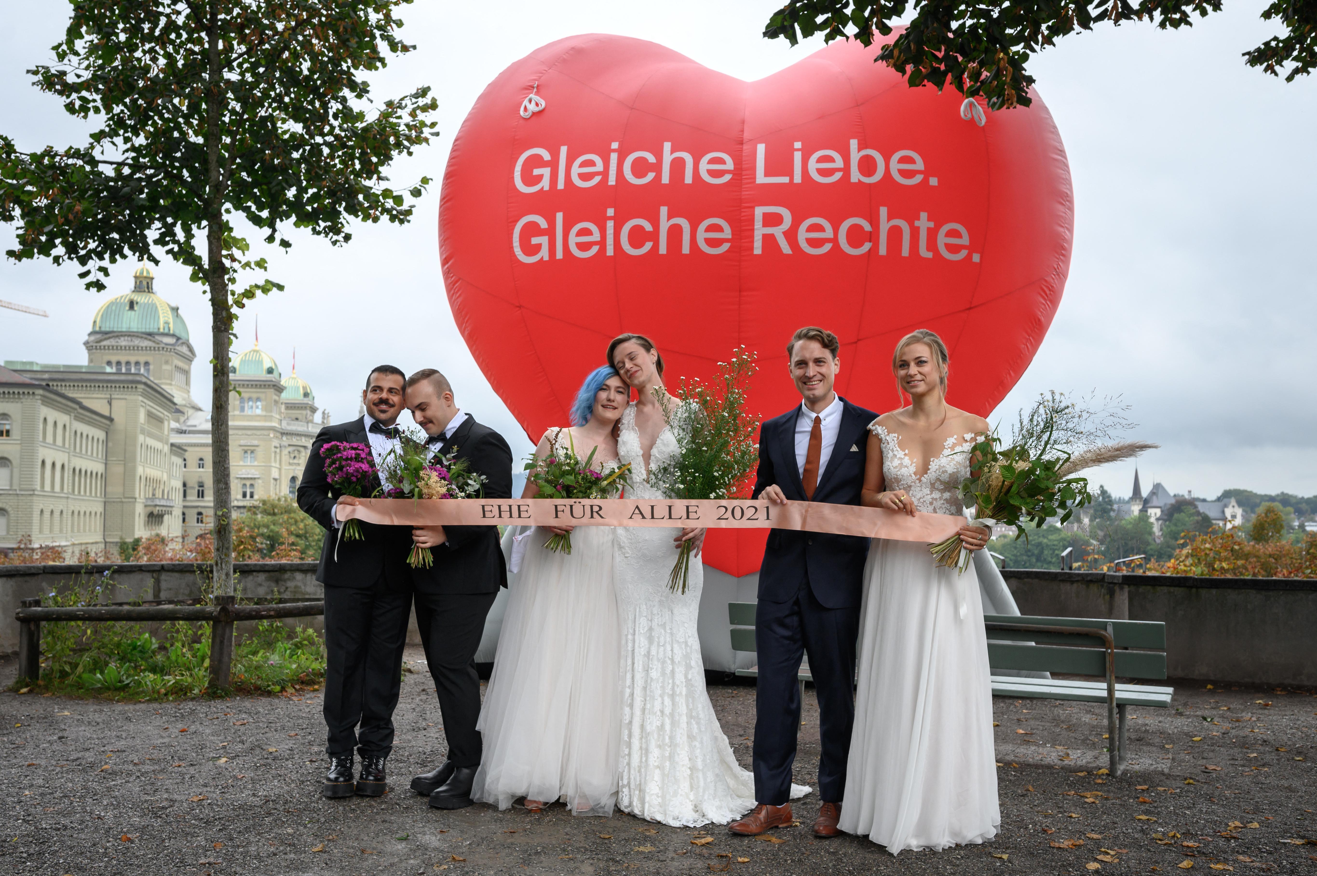 Úgy tűnik, Svájcban megszavazzák a melegházasságot