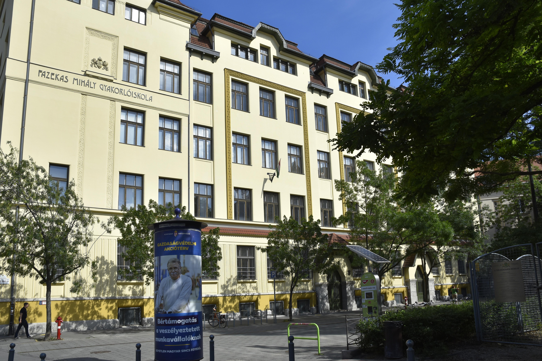 Az érettségizett diákok közel negyede ment külföldi egyetemre a Fazekasból