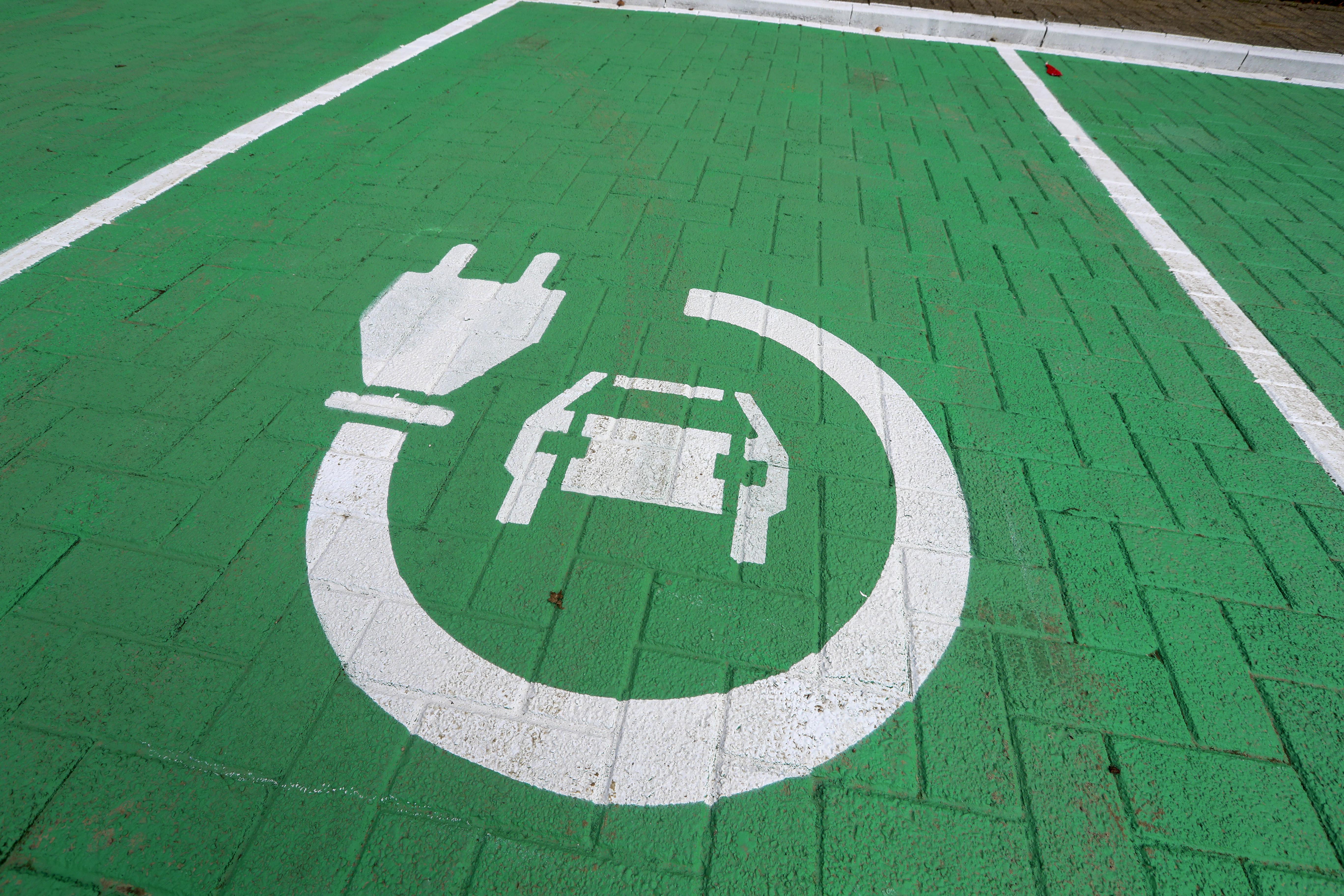 Európában augusztusban több elektromos autót adtak el, mint dízelt